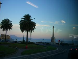 ナポリ湾岸を車窓観光しました。